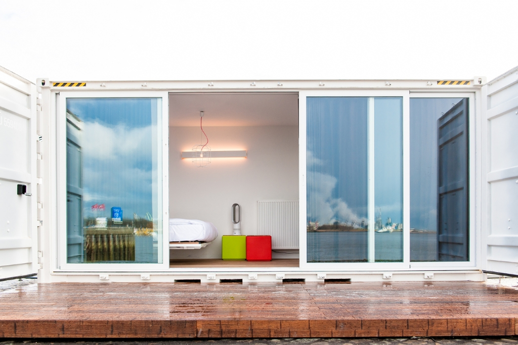 pop-up shipping container hotel