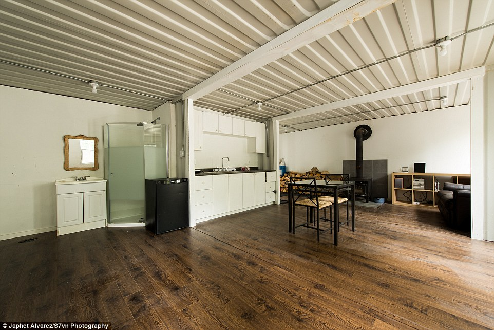 A container home in the woods for Cost of a new kitchen canada