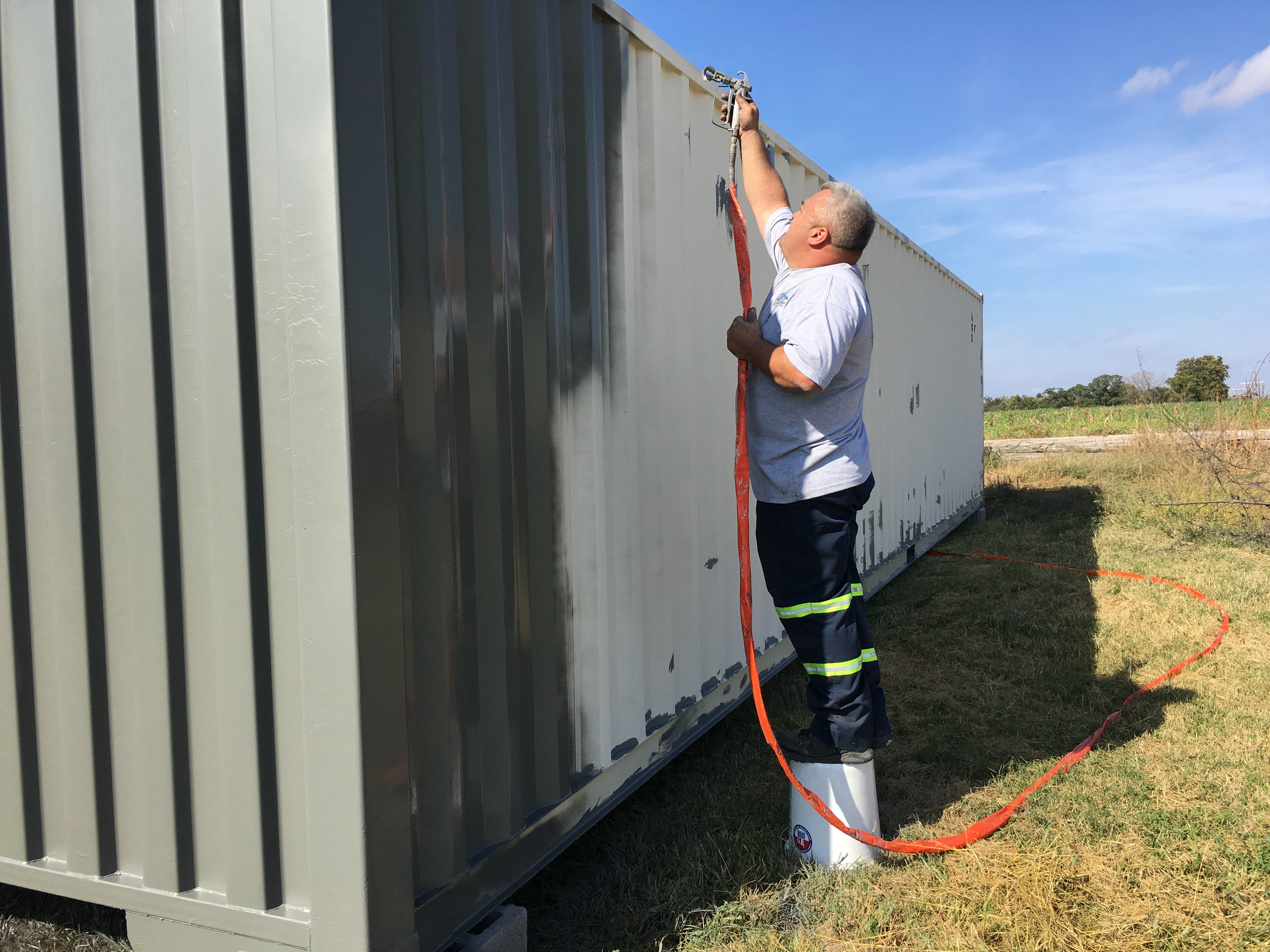 New Used Shipping Containers For Sale At Shipped Com >> How To Treat And Repaint A Rusty Shipping Container Buy A